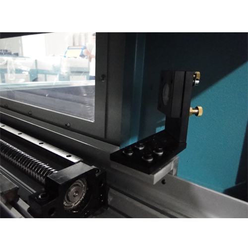 Laser textile three Head Cutting Machine for mass production